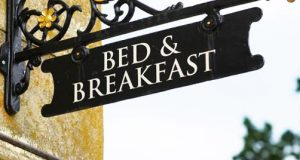 bed n breakfast sign